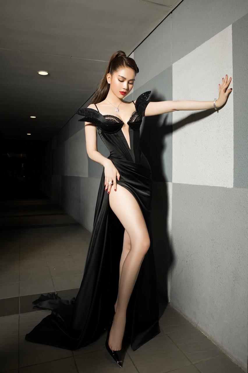 Đầm dạ hội thiết kế sang trọng cao cấp